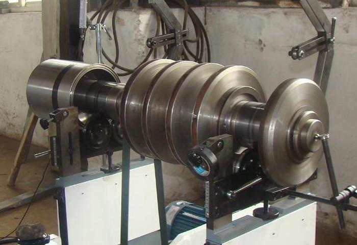 车轮平衡机,汽车轮胎的动平衡机的操作步骤